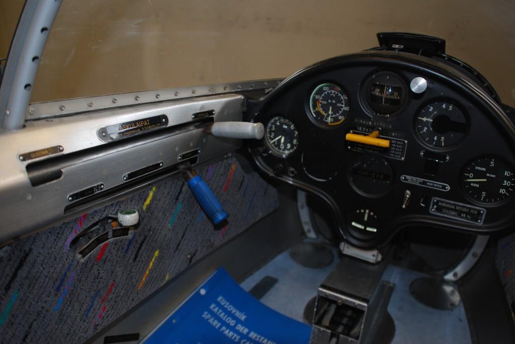 LET L-13 'Blanik' OH-519 for sale (07)